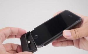Mophie Space Pack iPhone Schutz Hülle anbringen